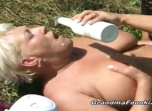 Fingering,granny,lesbian,lick,outdoor,threesome