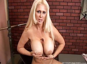 large tits,blonde,cougar,granny,hardcore,matures,milf,sexy,tits