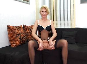 straight,german,amateur,mature,stockings,lingerie,grannies,anal