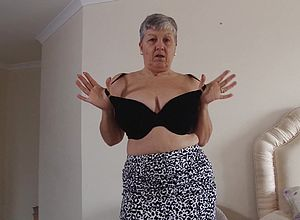 mature,mature Amateur,british,granny,short Hair