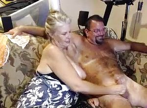 Chaturbate,webcam,straight,couple,grannies,handjob,big Bosoms