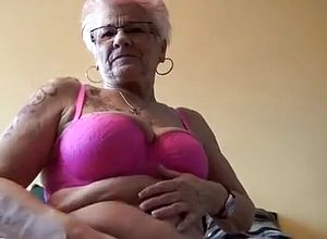 straight,webcam,solo,strip,masturbation,lingerie,grannies