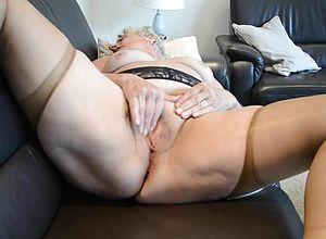 oma milf film nylon