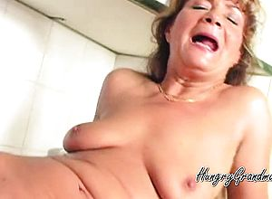 Doggystyle,fingering,granny,small Breasts