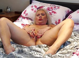 amateur,mature,stockings,milf,granny,hd videos,mature Nl