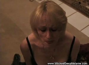 amateur,cuckold,cumshot,granny,milf,sexy,sucking,young