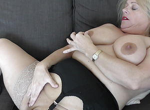 amateur,blonde,mature,granny,hd videos,girl masturbating,mature Nl
