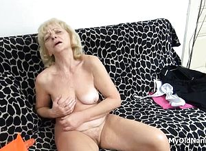 Amateur,blonde,granny,masturbation,solo