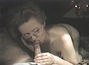 Straight,grannies,couple,brunette,blowjob,toys,fetish