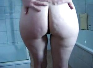 straight,grannies,hairy,shower,masturbation