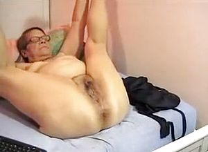 straight,webcam,grannies,masturbation,solo