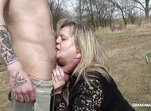blowjobs,granny,hardcore,matures,outdoor,young,big Cock