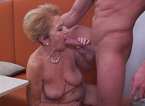 Amateur,blowjobs,granny,hairy,milf,matures,old Young,young