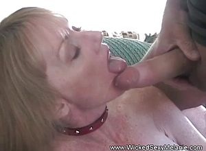 Amateur,milf,blowjobs,matures,granny,wife,swingers,sucking